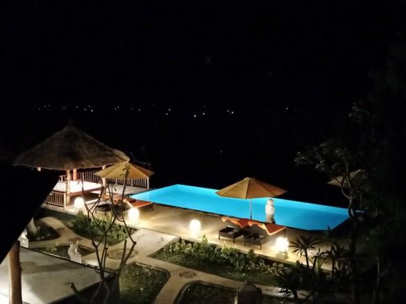 Samari Hill Villas by night